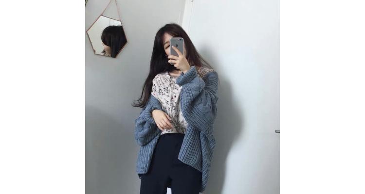 毛衣外套女韩版2018新款加厚开衫灯笼袖麻花纯色宽松针织衫上衣潮