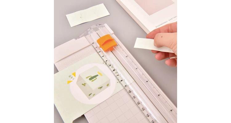 小型裁紙器